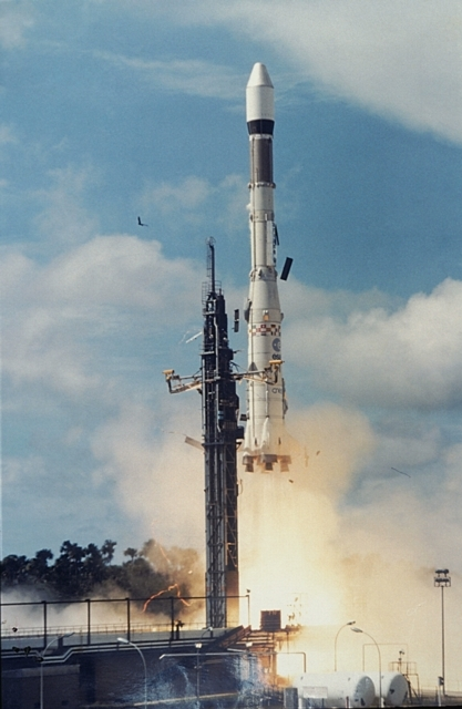 Premier lancement d'Ariane 1 le 24 décembre 1979. Crédits : CNES/ESA, 1979