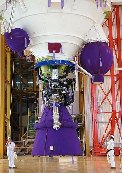 Le moteur Vulcain 2 sur Ariane 5 ECA. Crédits : CNES/Esa/Arianespace/CSG Service optique, 2006