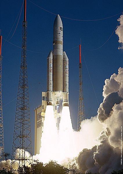 Vol de qualification d'Ariane 5 ECA le 12 février 2005. Crédits : CNES/ESA/Arianespace/CSG Service optique, 2005